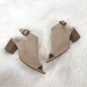 {Clark's} Deloria Gia Sand Suede Mule Sandals
